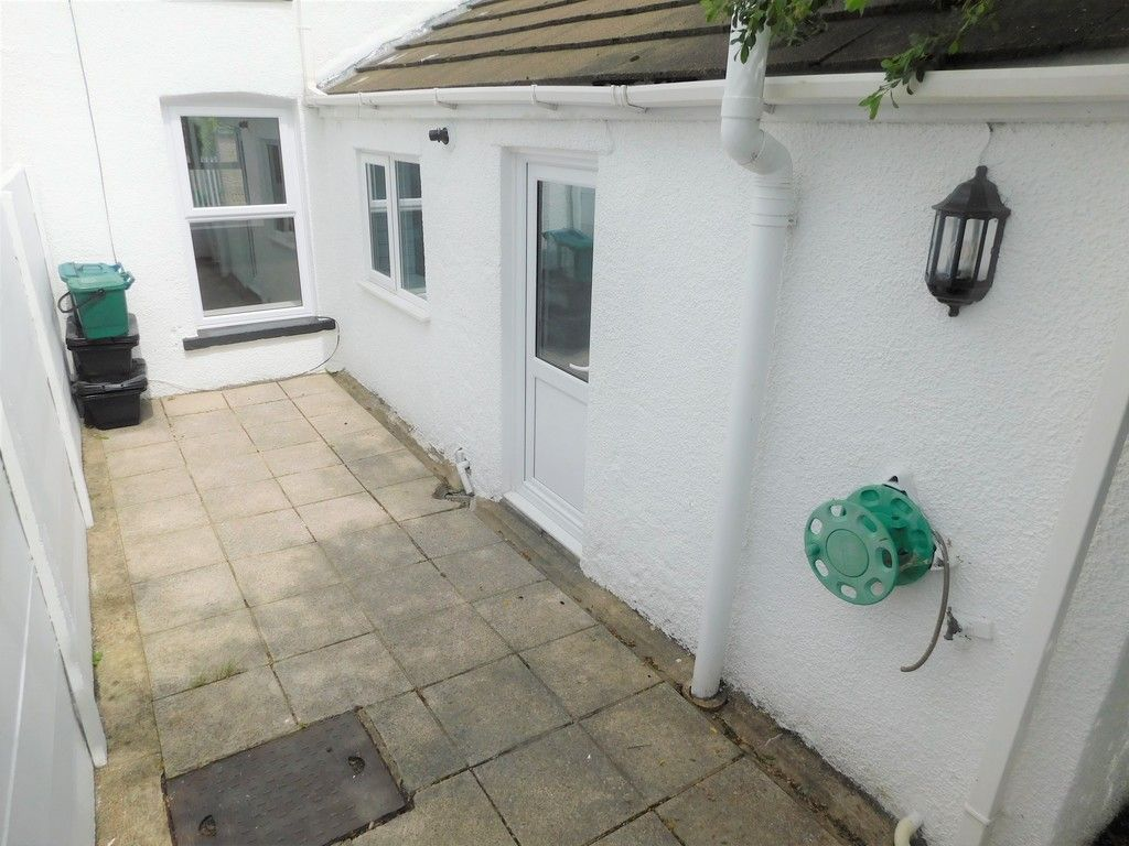2 bed house for sale in Gored Terrace, Melincourt, Neath  - Property Image 11