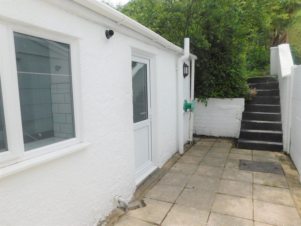 2 bed house for sale in Gored Terrace, Melincourt, Neath  - Property Image 12