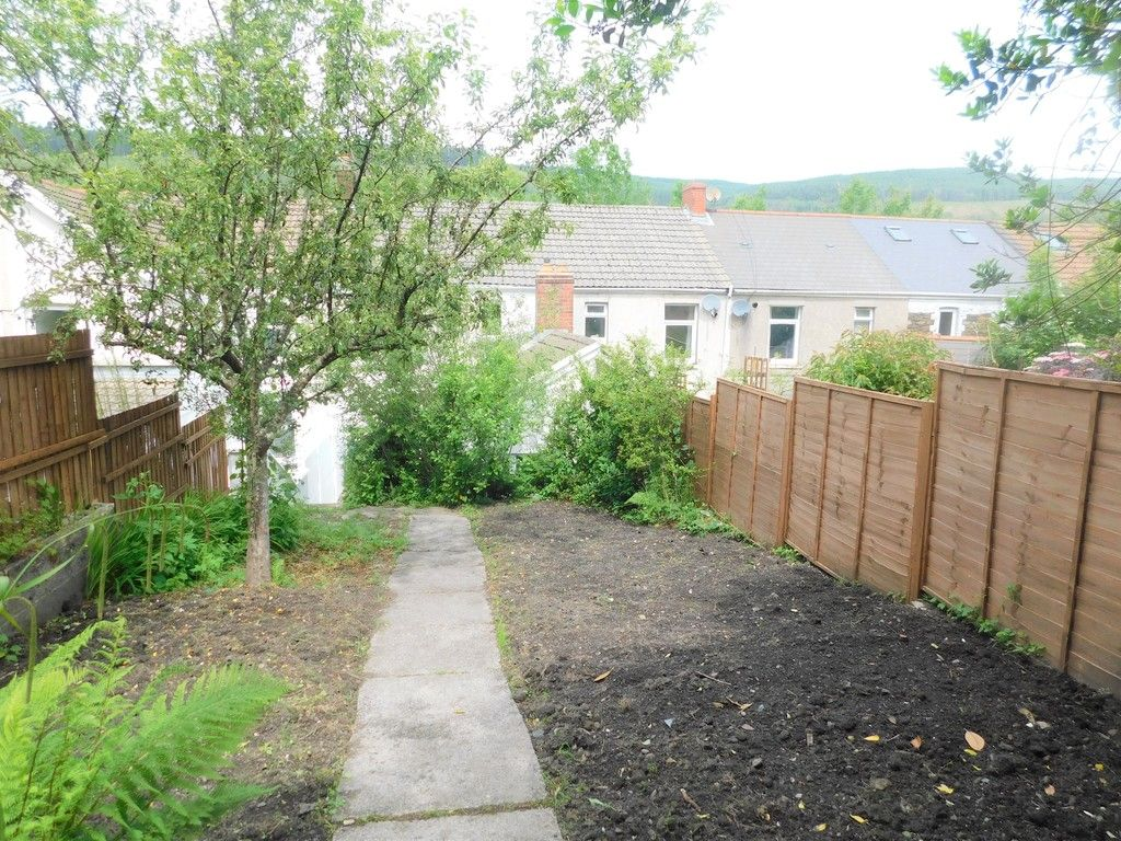 2 bed house for sale in Gored Terrace, Melincourt, Neath  - Property Image 15