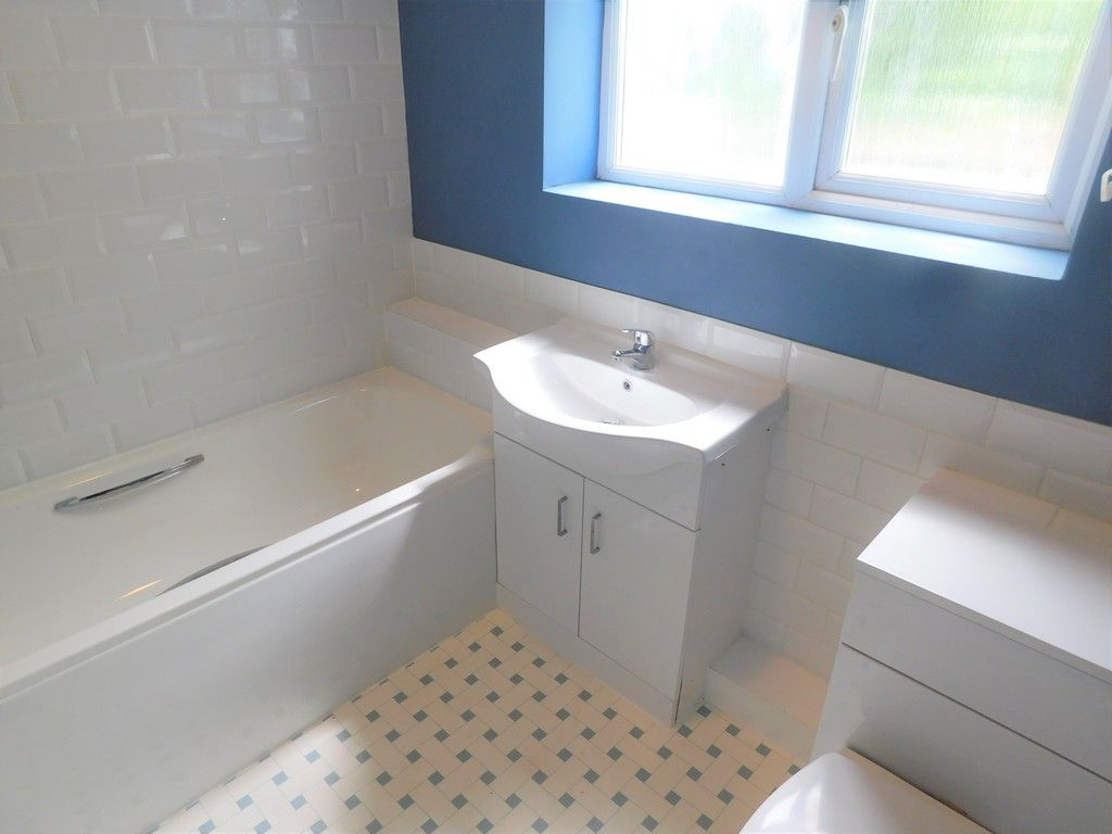 2 bed house for sale in Gored Terrace, Melincourt, Neath  - Property Image 6