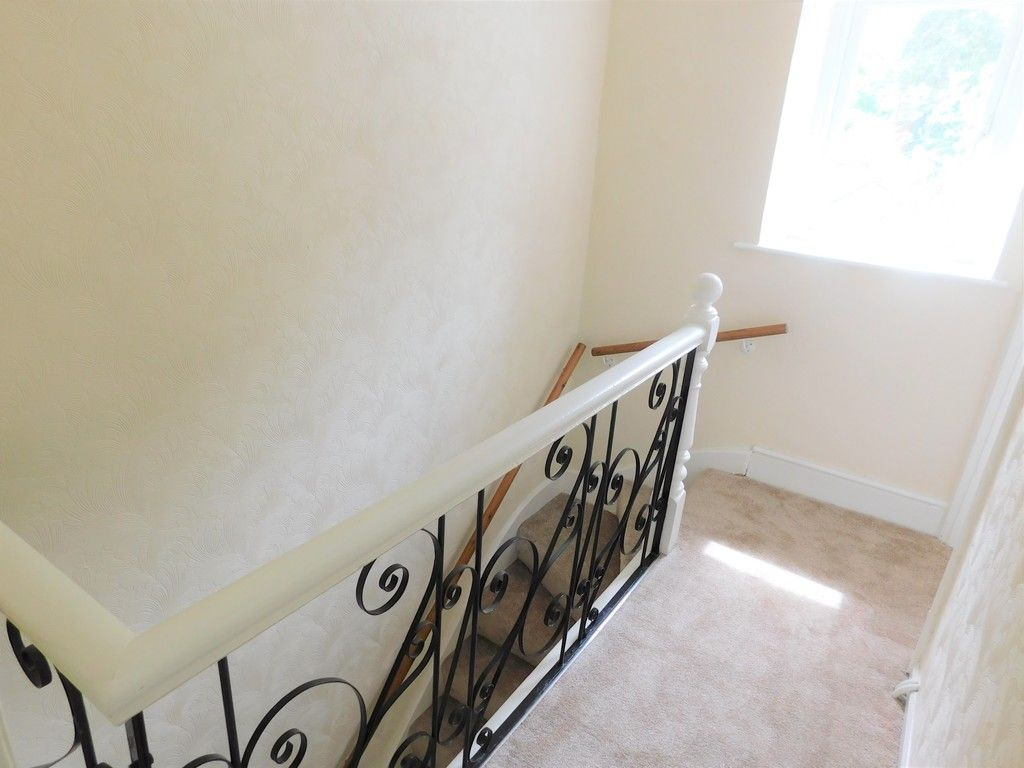 2 bed house for sale in Gored Terrace, Melincourt, Neath  - Property Image 8