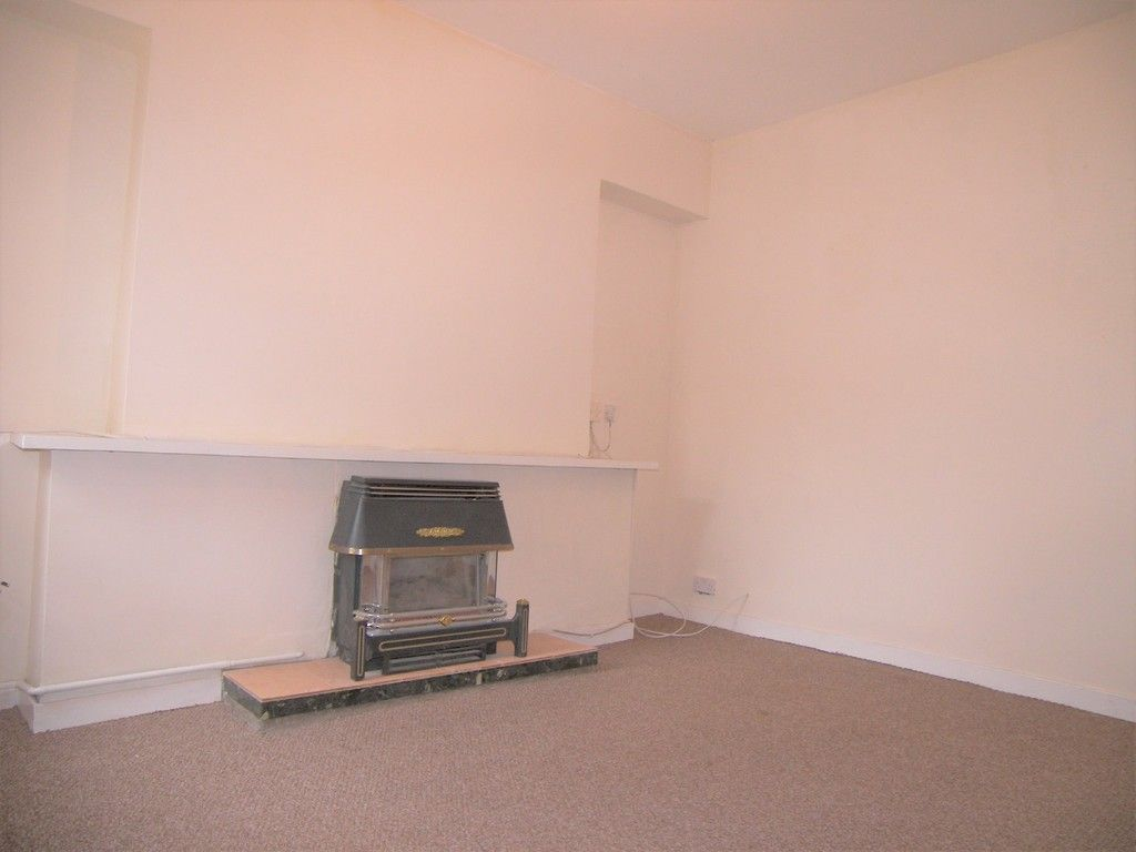 3 bed house for sale in Thomas Terrace, Resolven  - Property Image 5