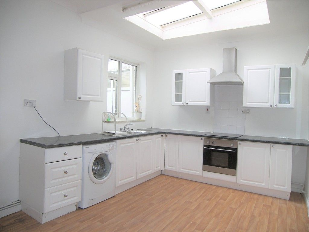 3 bed house for sale in Thomas Terrace, Resolven 8