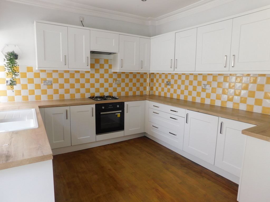 4 bed house for sale in Daphne Road, Rhyddings 5