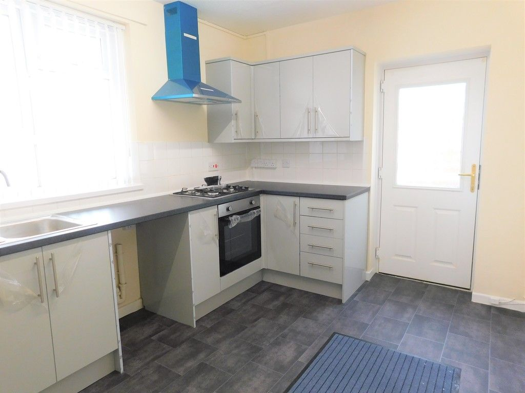 1 bed flat to rent in Pentre Street, Neath 3