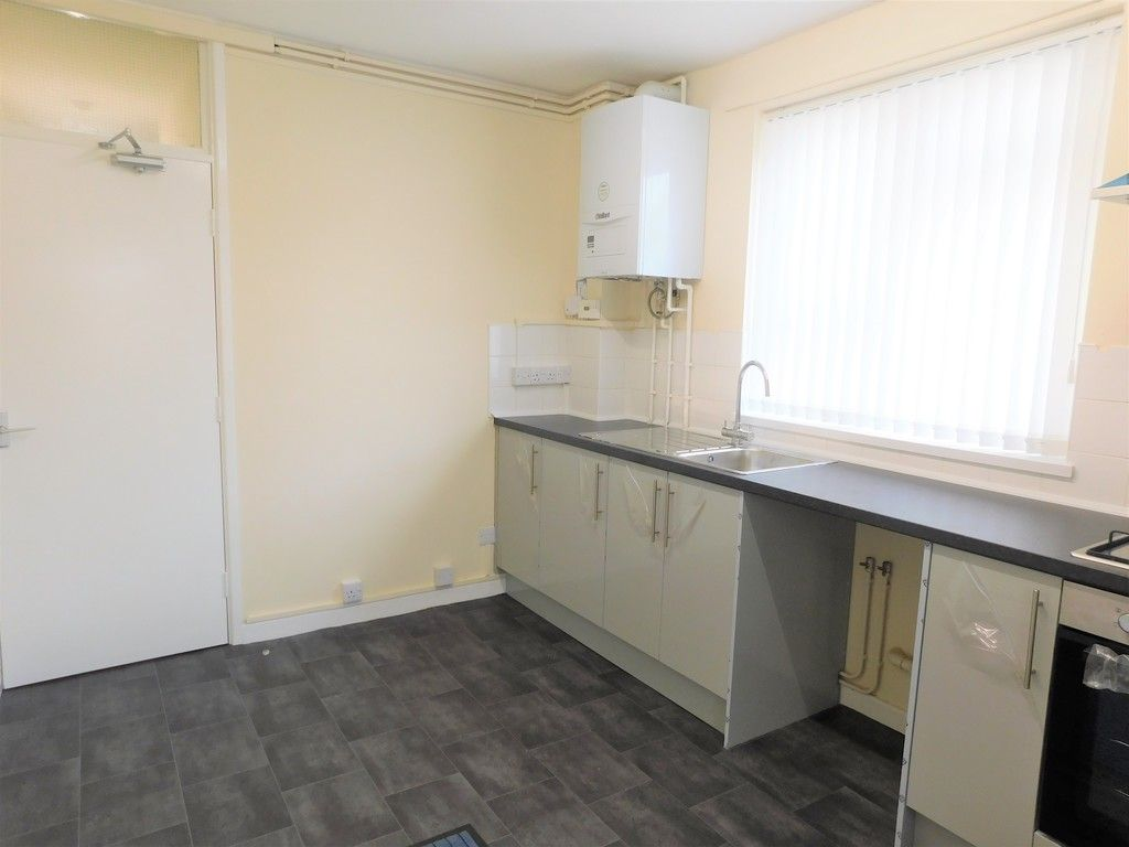 1 bed flat to rent in Pentre Street, Neath 4