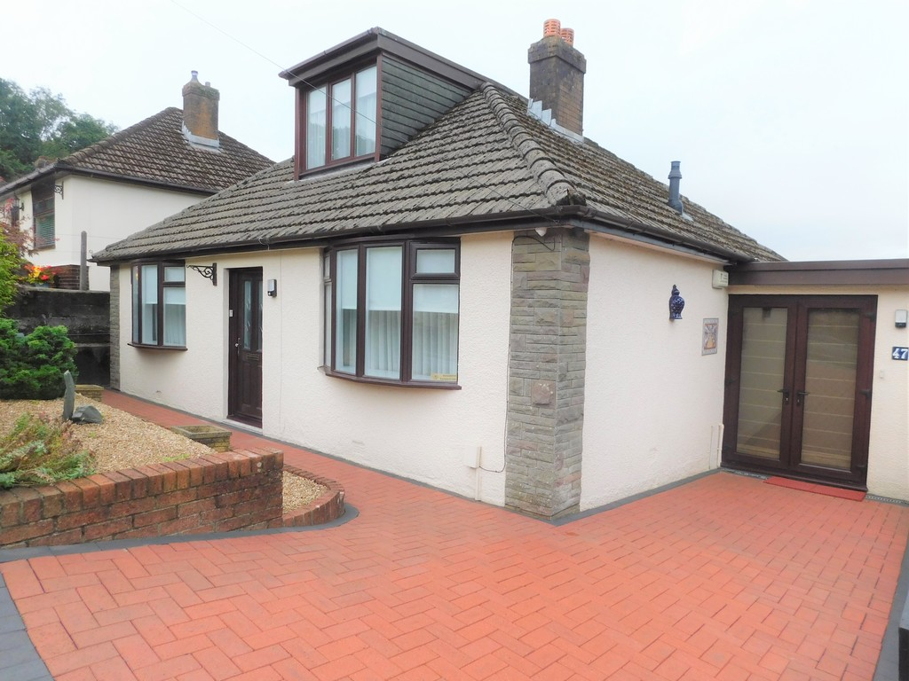 3 bed bungalow for sale in Manor Way, Neath  - Property Image 1