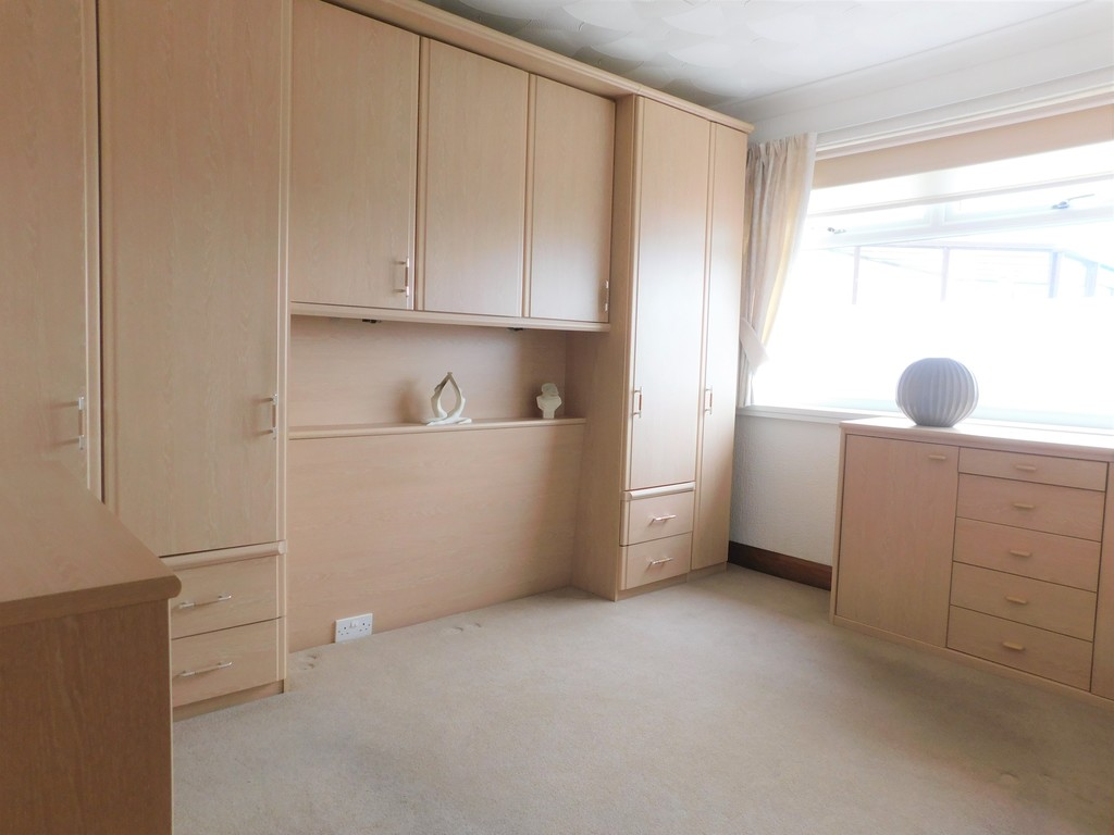 3 bed bungalow for sale in Manor Way, Neath 11