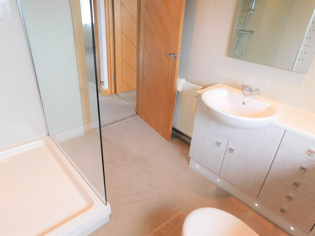 3 bed bungalow for sale in Manor Way, Neath 13