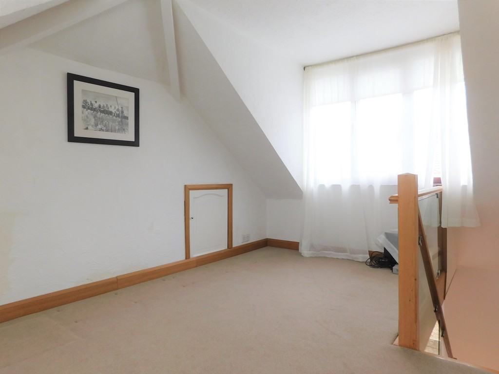 3 bed bungalow for sale in Manor Way, Neath 14