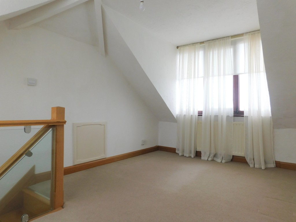 3 bed bungalow for sale in Manor Way, Neath 15