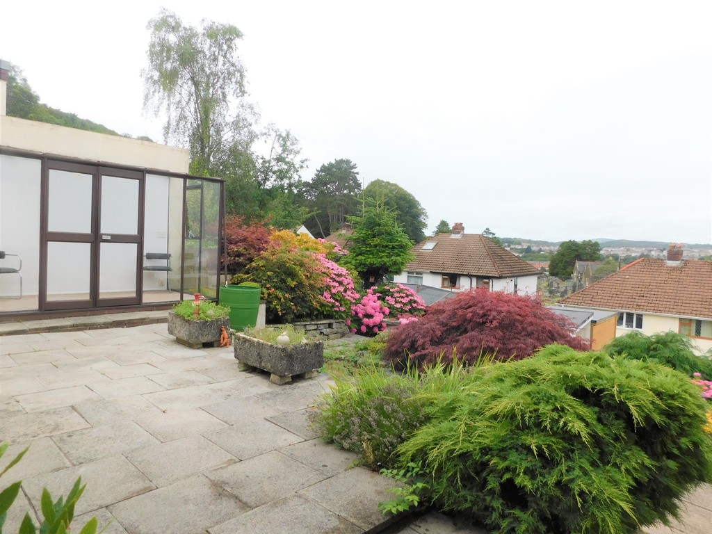 3 bed bungalow for sale in Manor Way, Neath  - Property Image 17