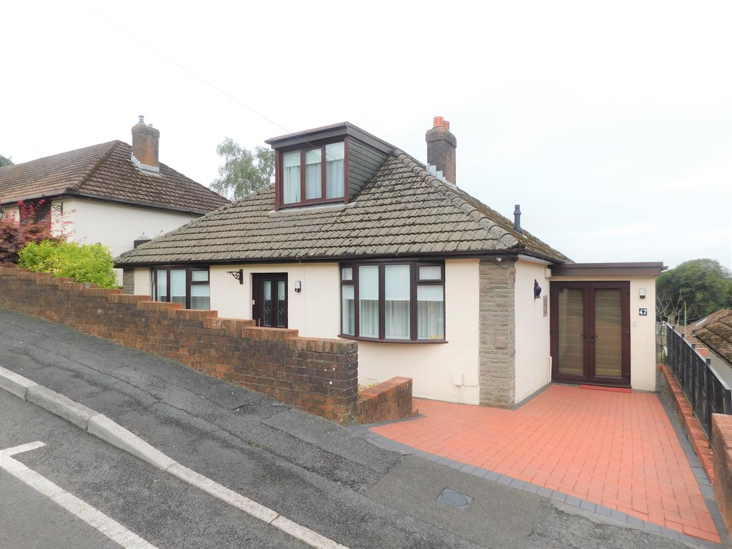 3 bed bungalow for sale in Manor Way, Neath 22