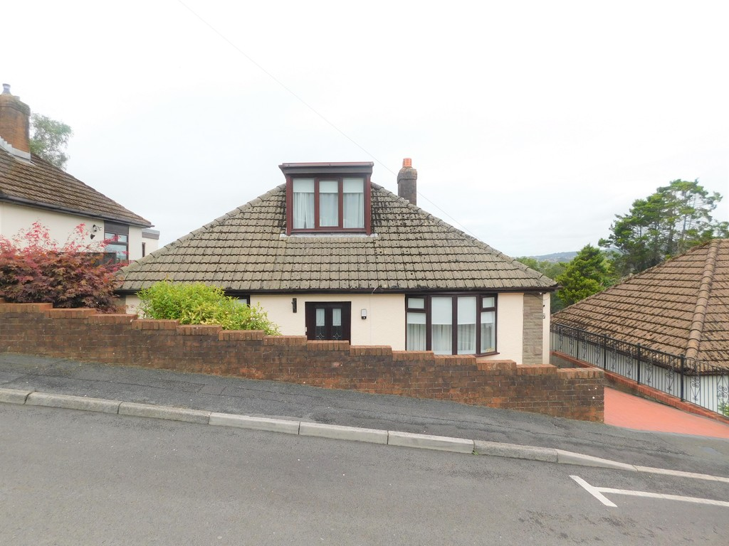 3 bed bungalow for sale in Manor Way, Neath 23