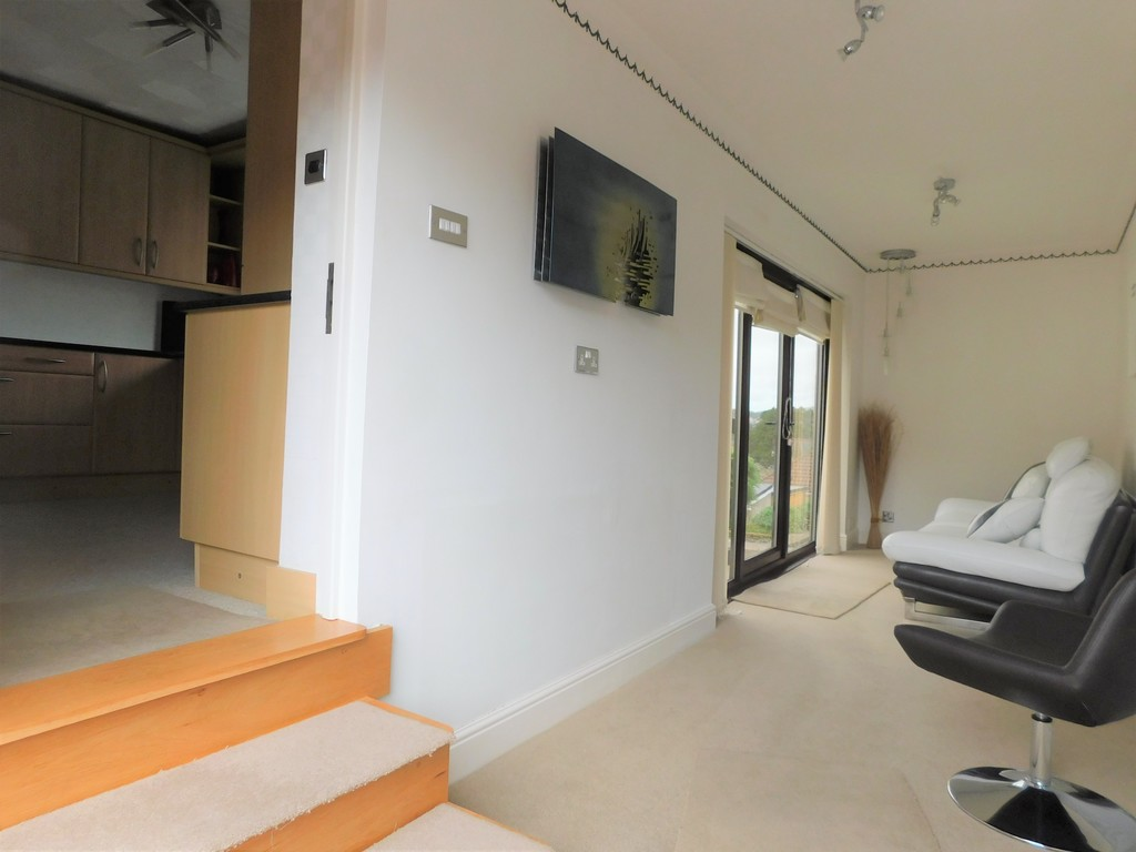 3 bed bungalow for sale in Manor Way, Neath 8