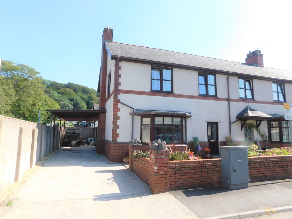 3 bed house for sale in Woodland Road, Neath, SA11