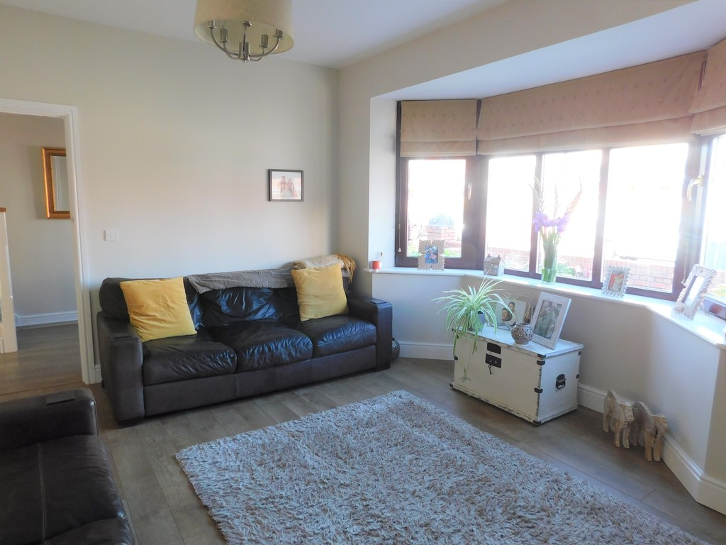 3 bed house for sale in Woodland Road, Neath  - Property Image 3
