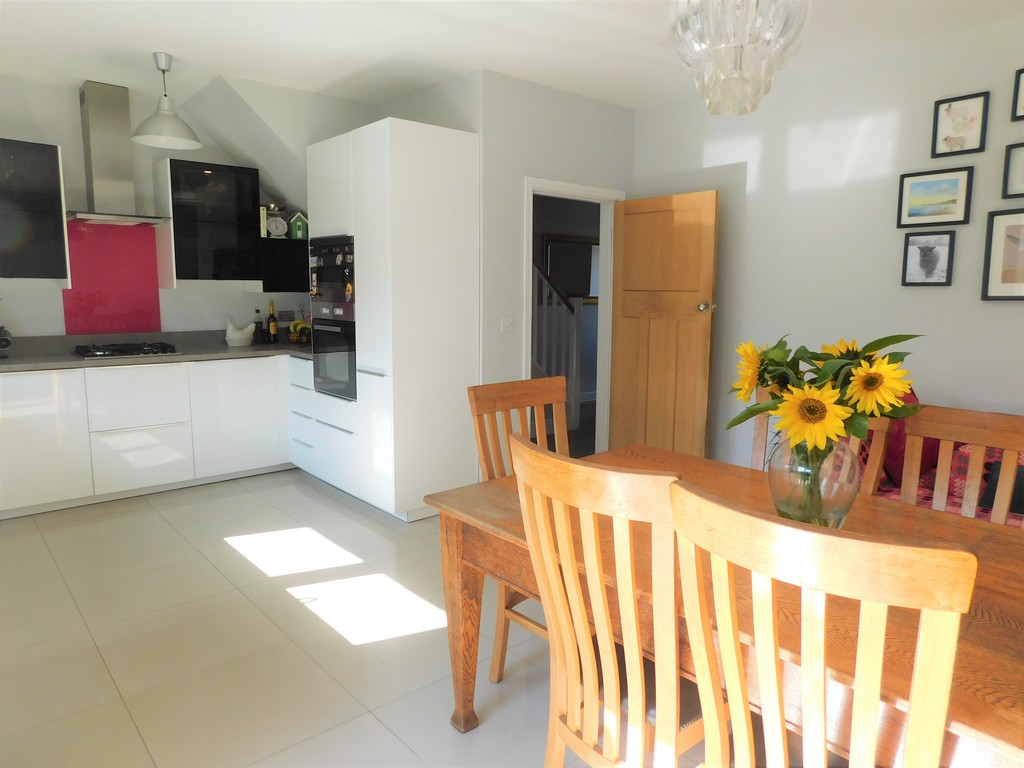 3 bed house for sale in Woodland Road, Neath 6