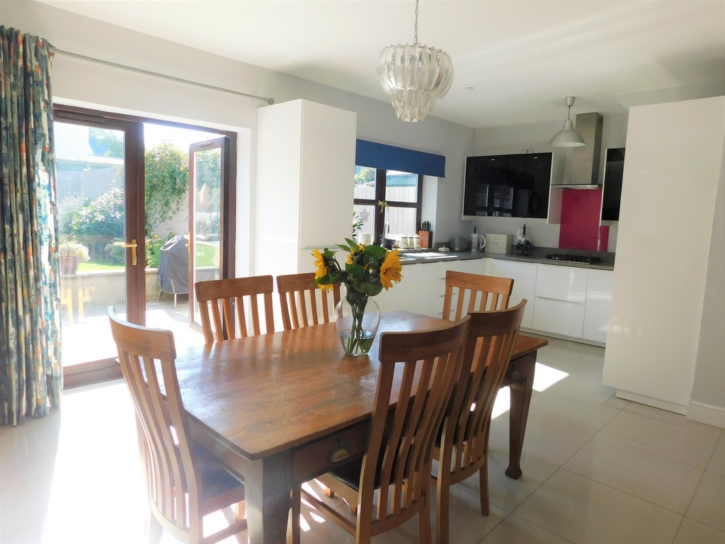 3 bed house for sale in Woodland Road, Neath 8