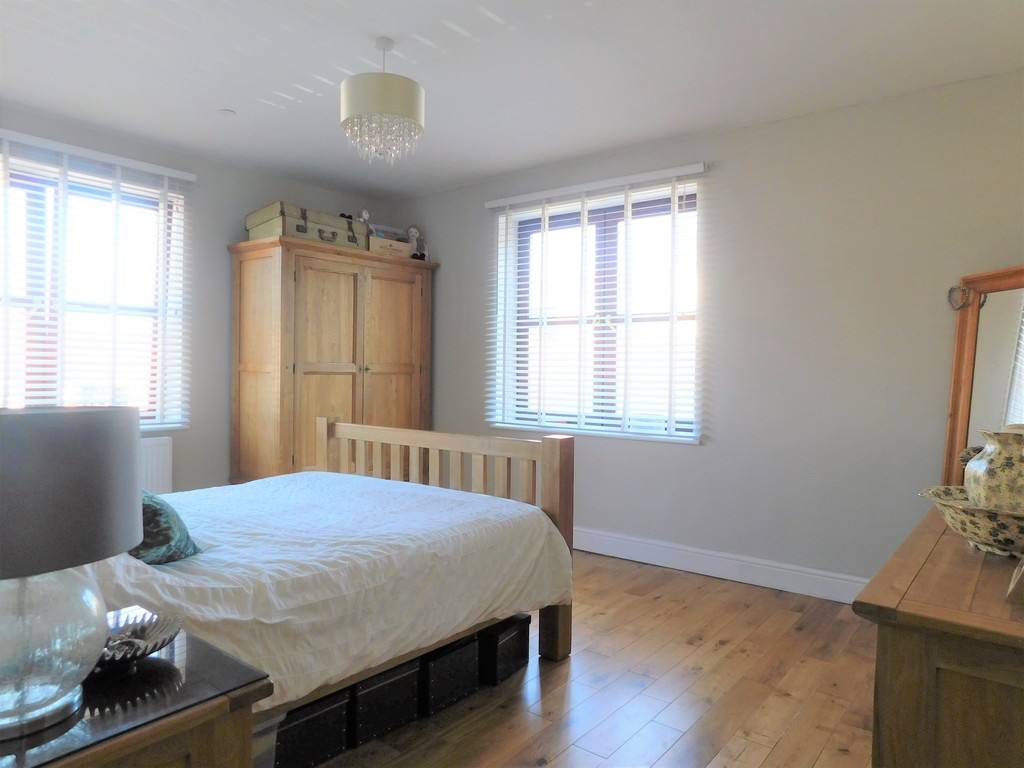 3 bed house for sale in Woodland Road, Neath 10