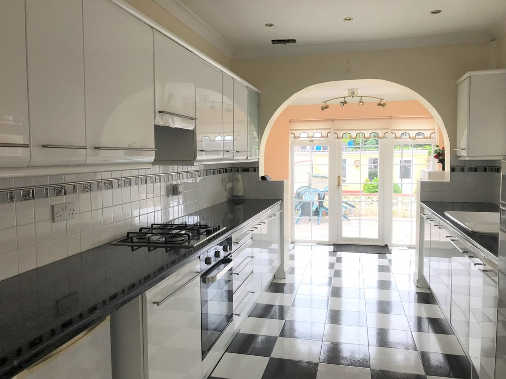 3 bed house for sale in Talbot Road, Skewen, Neath 6