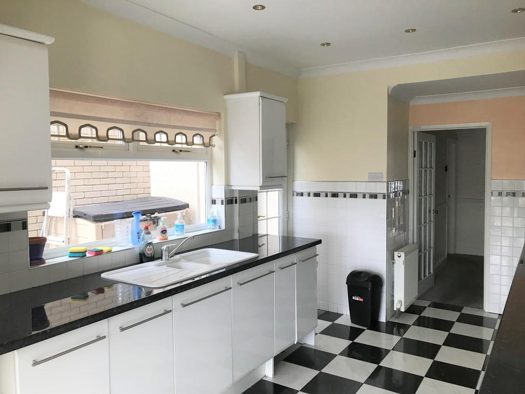3 bed house for sale in Talbot Road, Skewen, Neath 8
