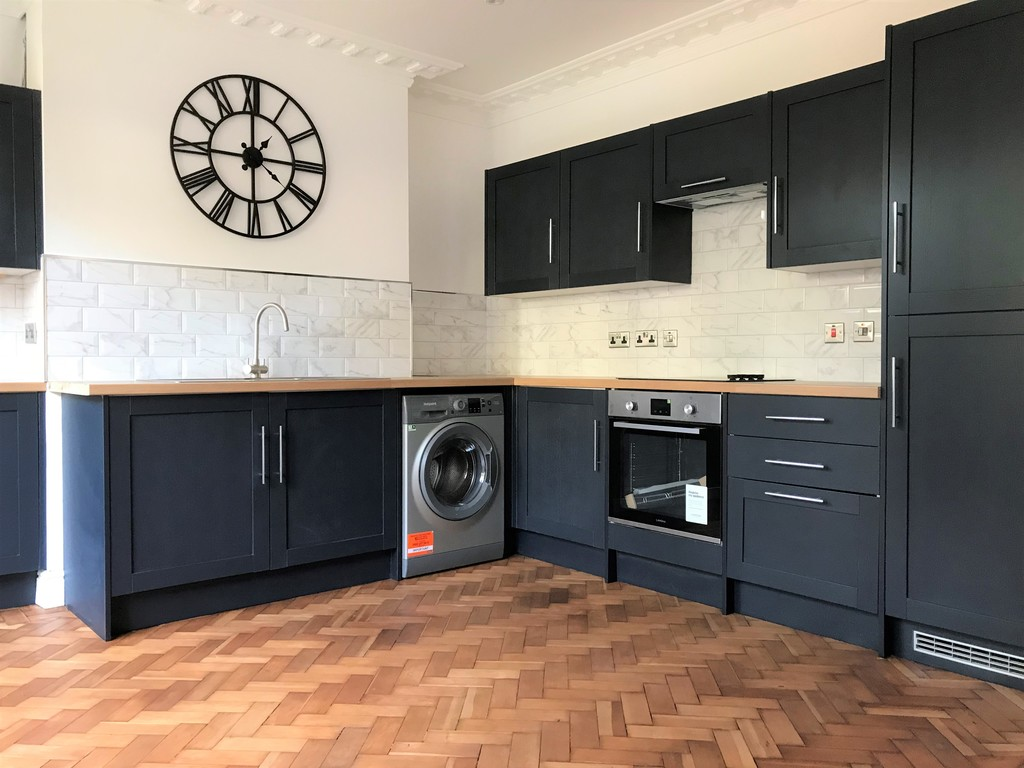 3 bed house for sale in Wern Road, Port Talbot 4