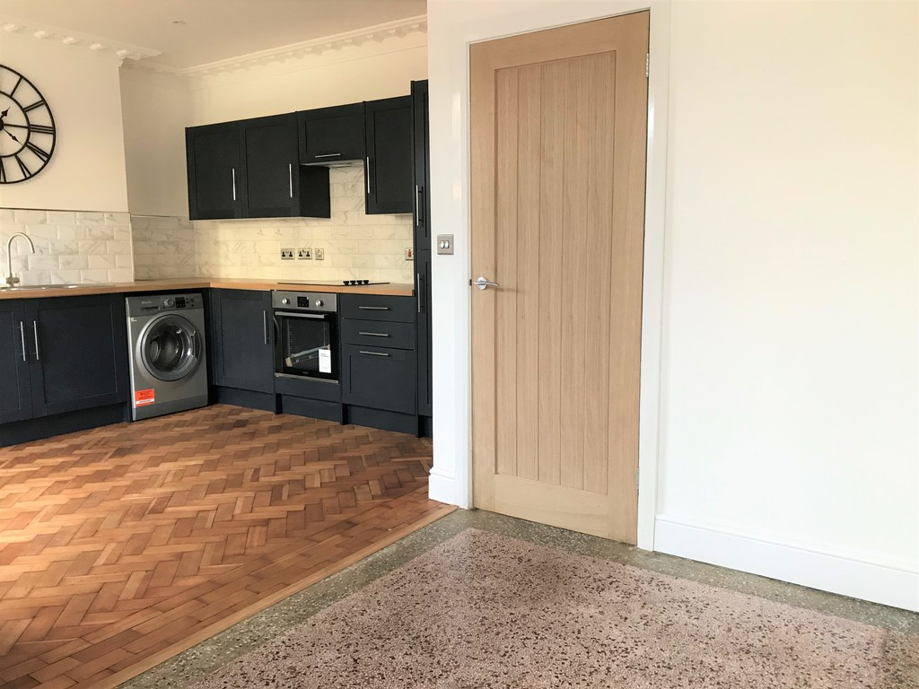 3 bed house for sale in Wern Road, Port Talbot 7
