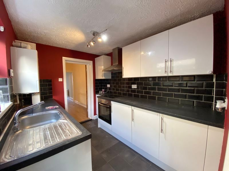 3 bed house to rent in Livingstone Road 1
