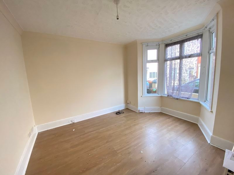 3 bed house to rent in Livingstone Road 2