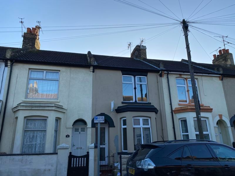 3 bed house to rent in Livingstone Road 3