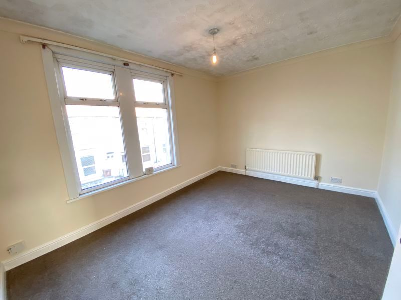 3 bed house to rent in Livingstone Road 5