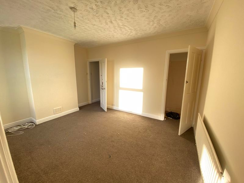 3 bed house to rent in Livingstone Road 7