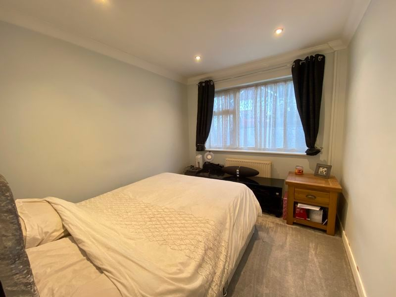 2 bed bungalow to rent in Woodhurst Close  - Property Image 8