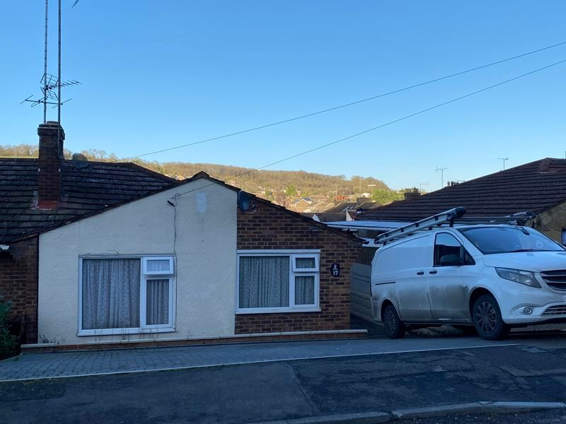 2 bed bungalow to rent in Woodhurst Close 9