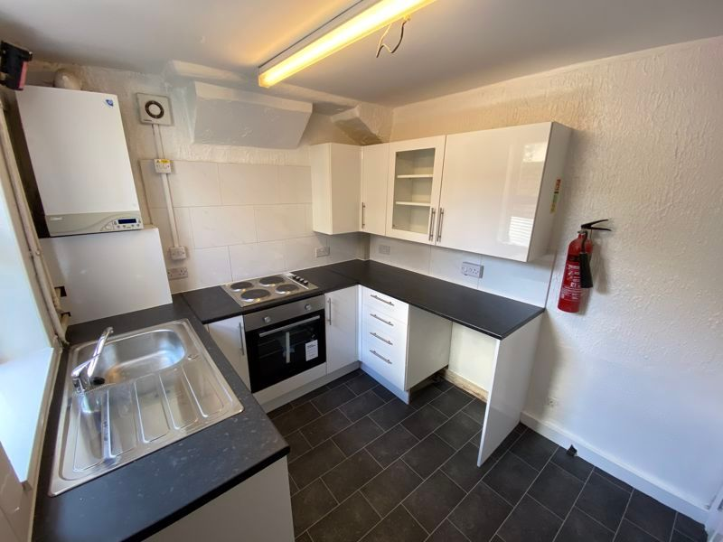 3 bed  to rent in Mills Terrace