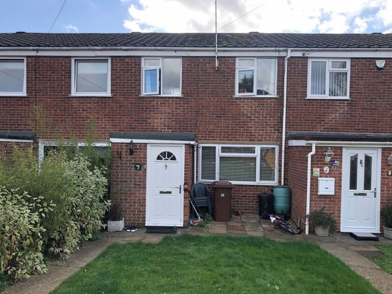 3 bed house for sale in Kingsnorth Close 6
