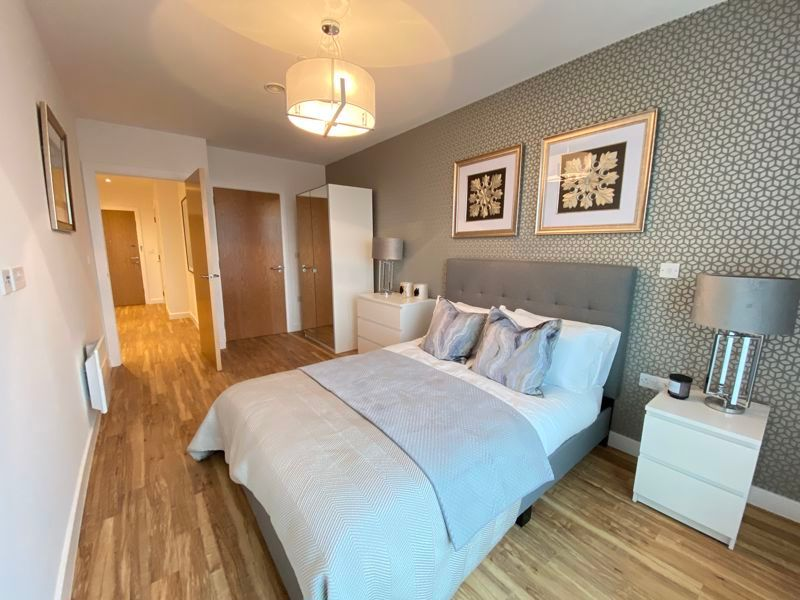 1 bed flat for sale in Pier Approach Road 2