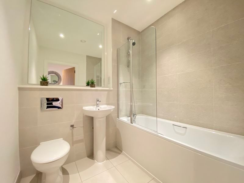 1 bed flat for sale in Pier Approach Road  - Property Image 14