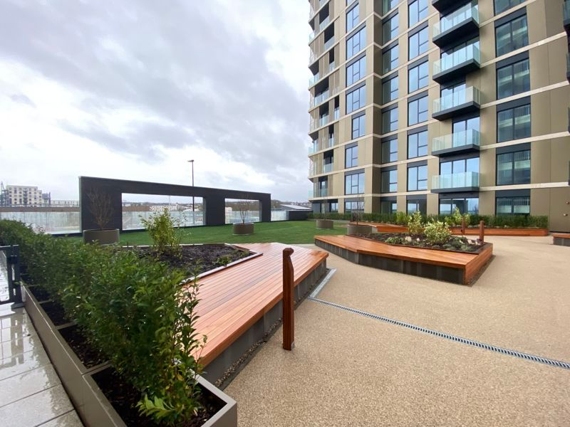1 bed flat for sale in Pier Approach Road 16