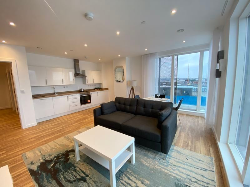 1 bed flat for sale in Pier Approach Road 5