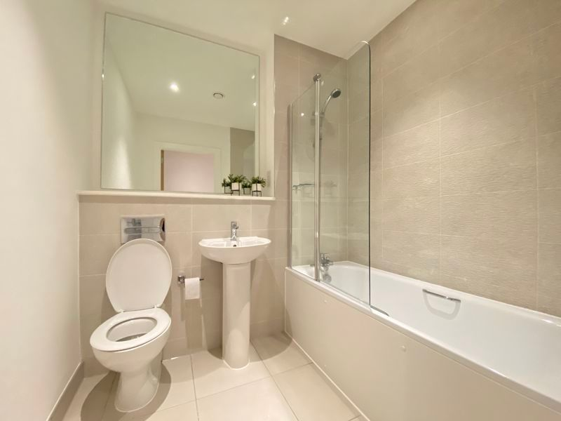 1 bed flat for sale in Pier Approach Road 7