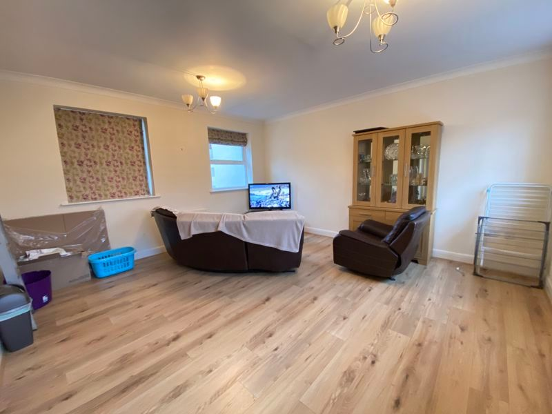 2 bed flat to rent in Garden Street 2