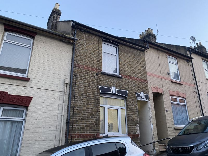 3 bed house to rent in Gordon Road 10