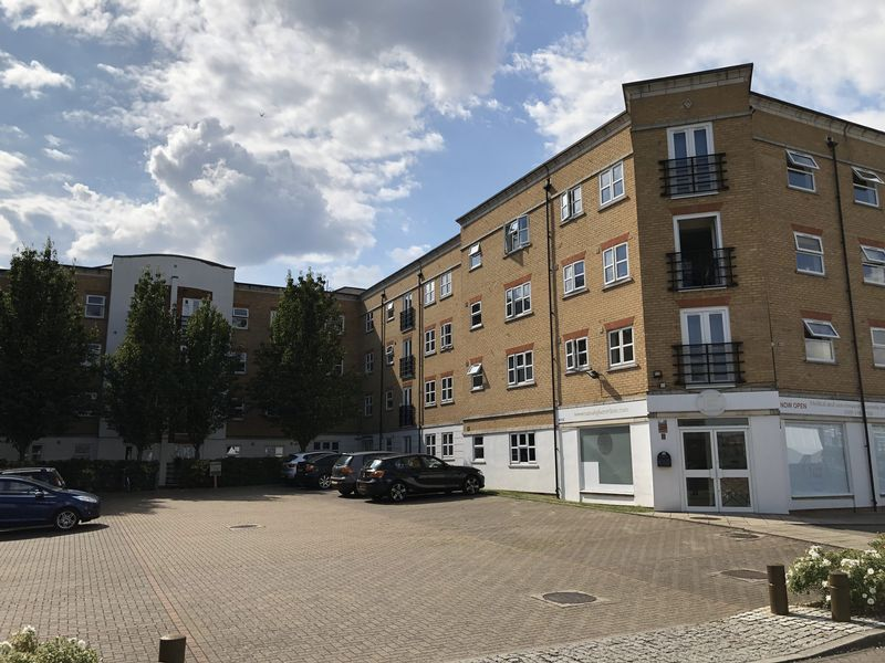 1 bed flat to rent in Glaisher Street 1