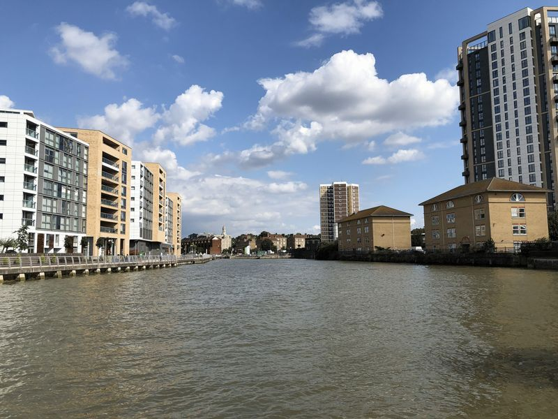 1 bed flat to rent in Glaisher Street 5