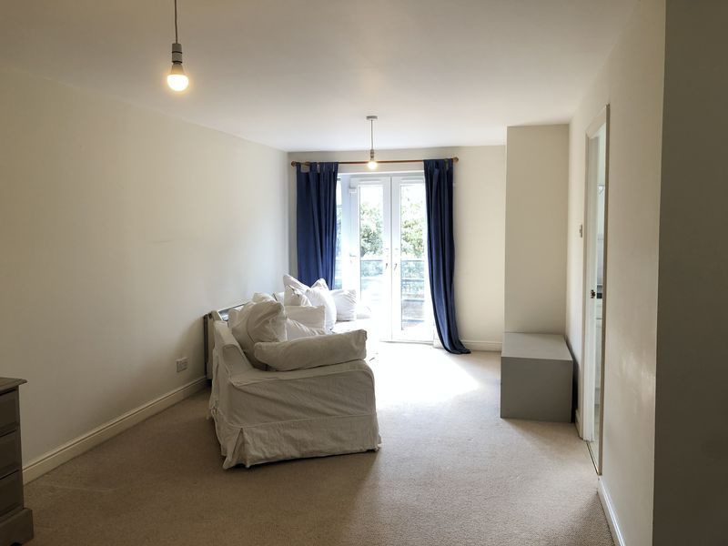 1 bed flat to rent in Glaisher Street 7
