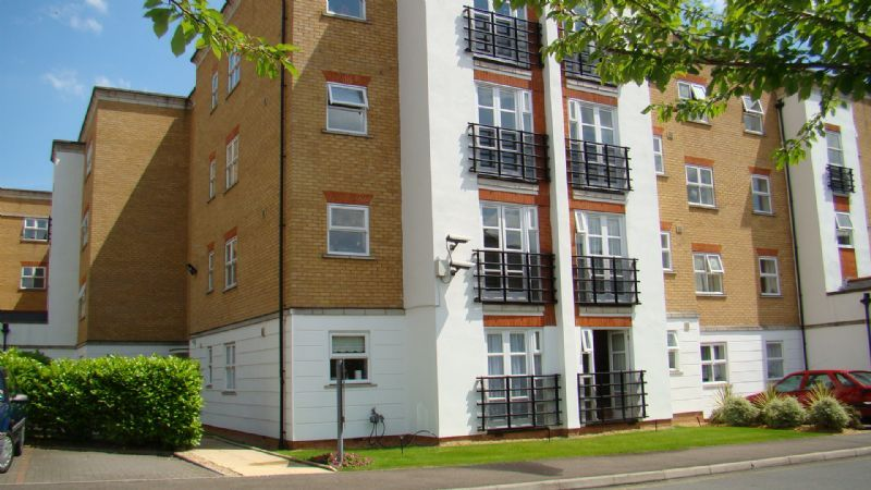 1 bed flat to rent in Glaisher Street 8