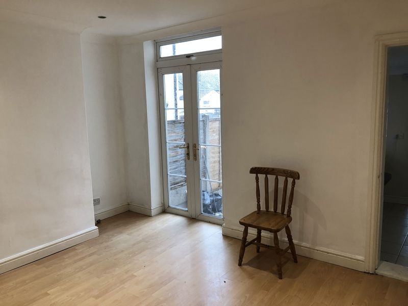 3 bed house to rent in Saunders Street 4