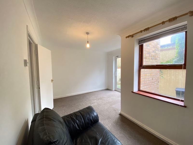 1 bed  to rent in Stanley Road 6